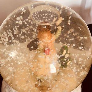 Vintage Musical Halmark Snow globe
